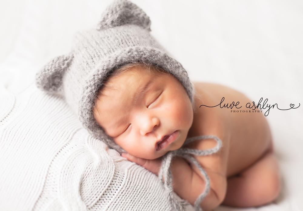 Modern Newborn Baby Photographer