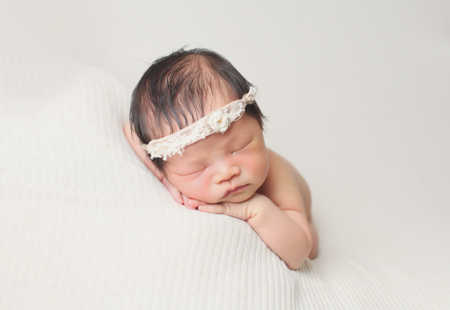Simple Newborn Posing Picture