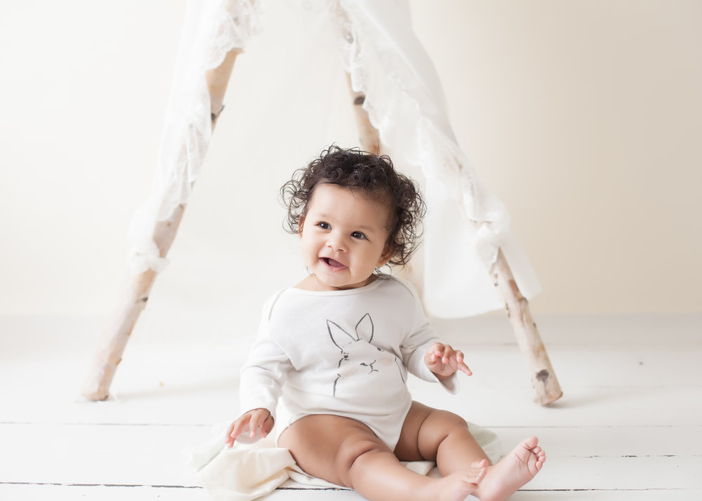 Studio baby photographer Toronto