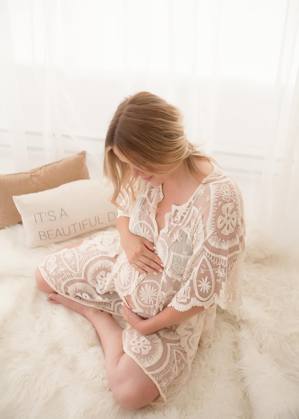 MATERNITY_Toronto-Maternity-Photographer-Luve-Ashlyn-21.jpg