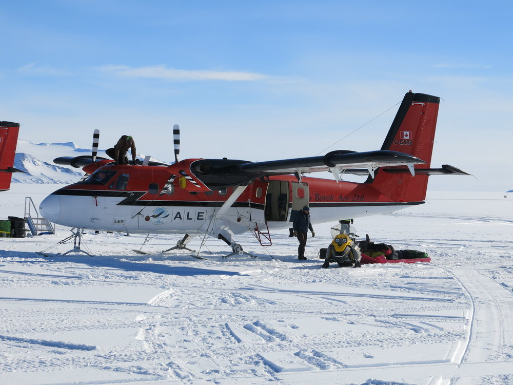 loading the twin otter.JPG