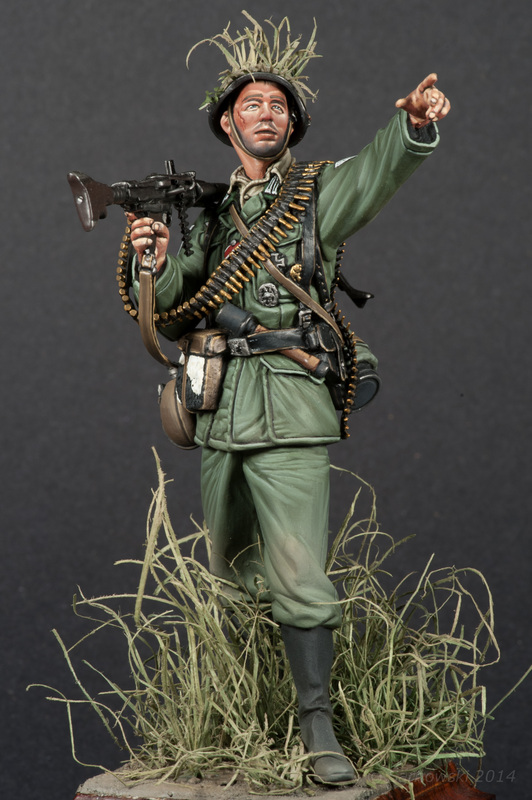 MG34 Machine Gunner Dan Capuano