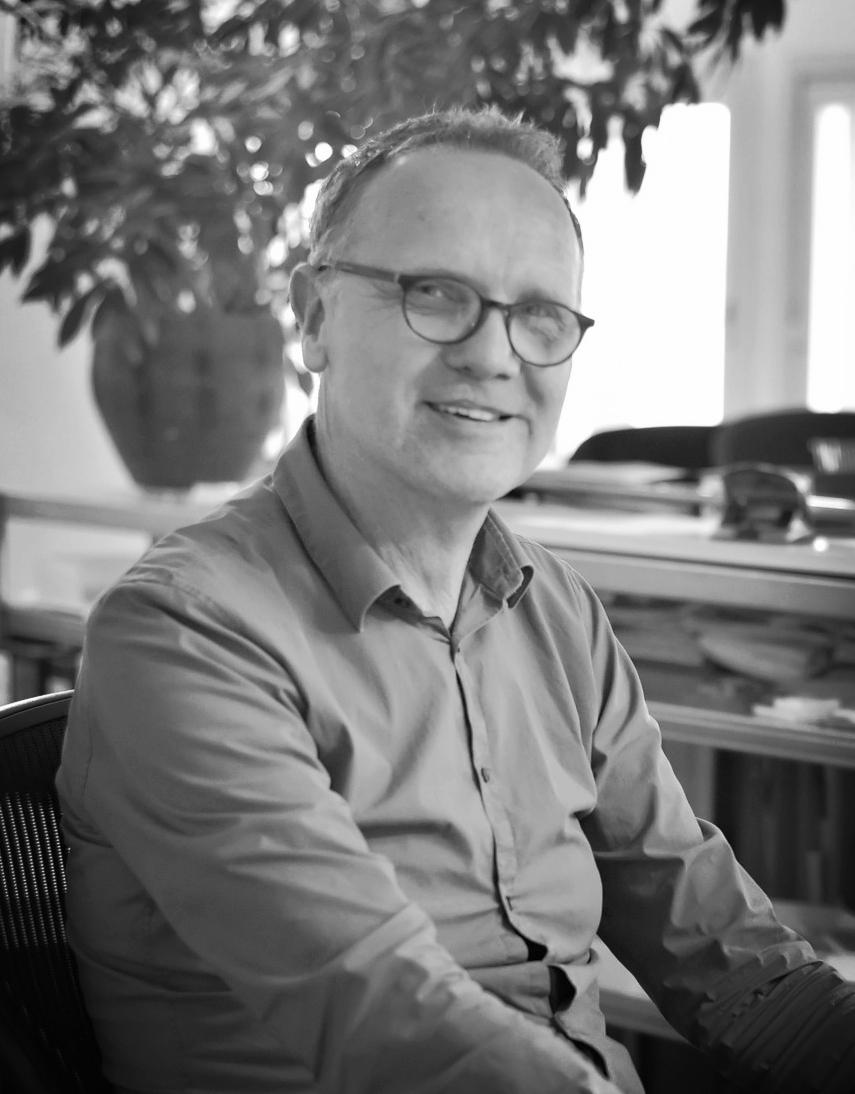 Hans Nijs  hans@bf-as.nl  Architect