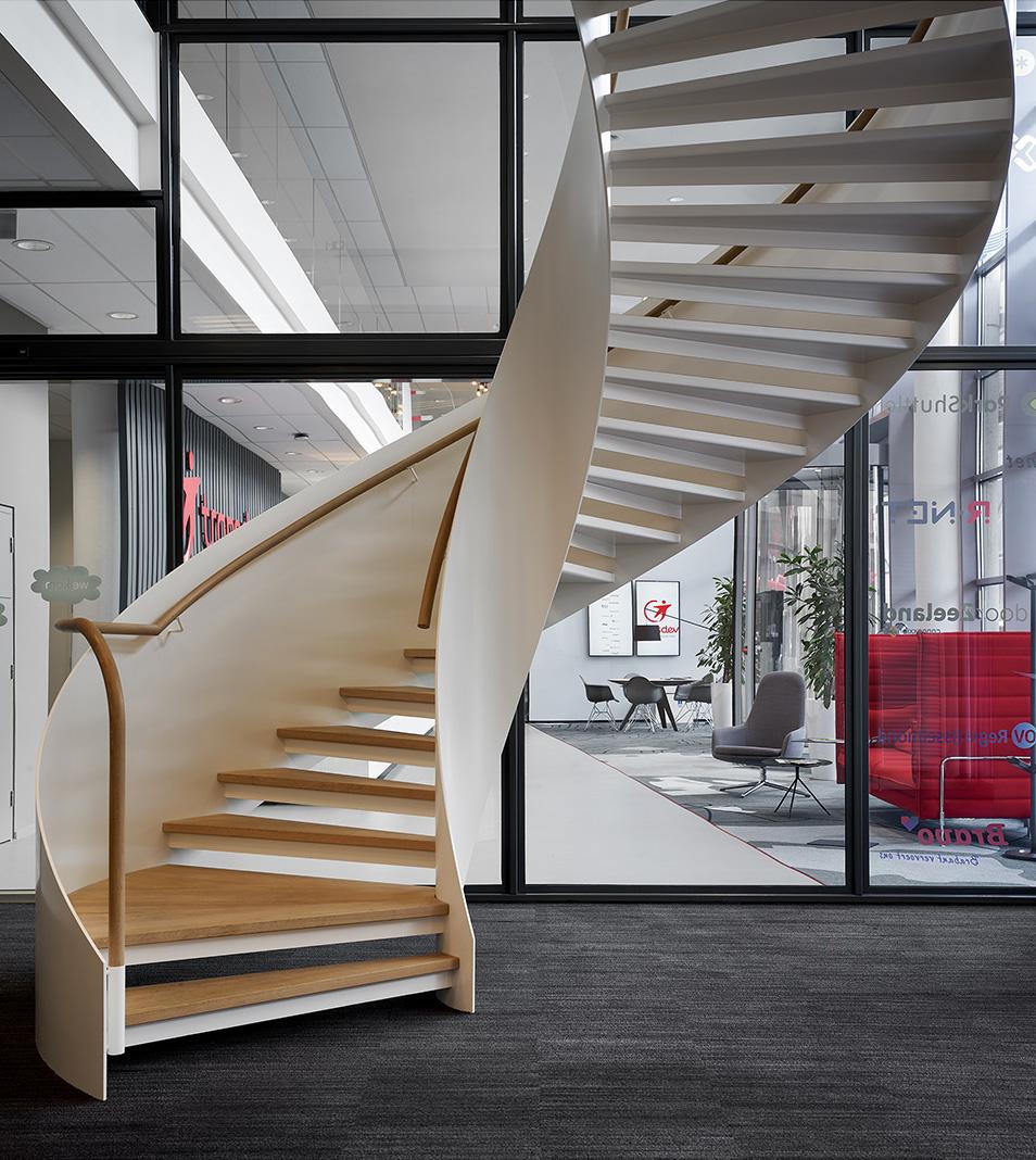 BFAS_stationsgebouw_hilversum_architectuur_kantoor_trap_2.jpg