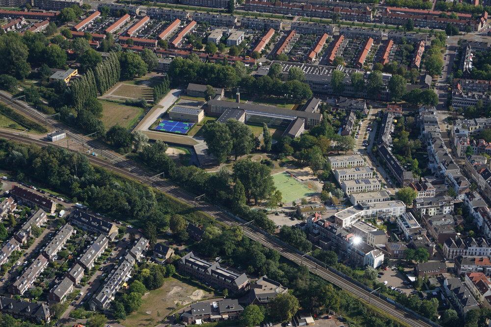 Spijkerbroek, Arnhem