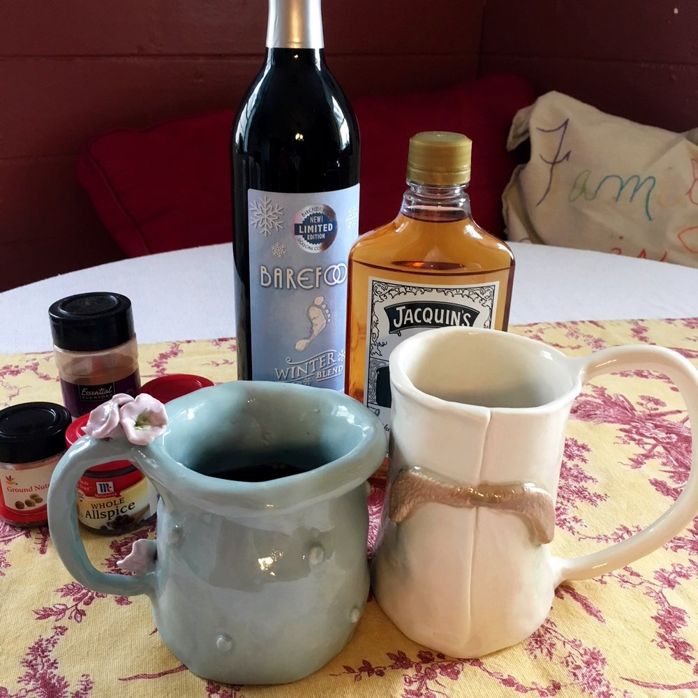 Glogg with ingredients.JPG