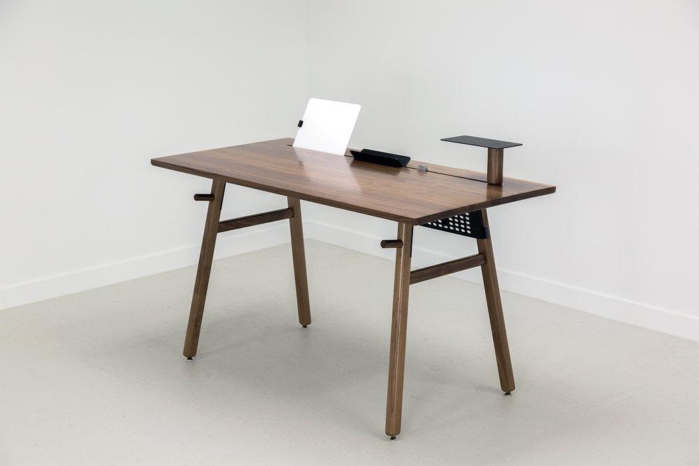 ARTIFOX Desk 02 - Walnut