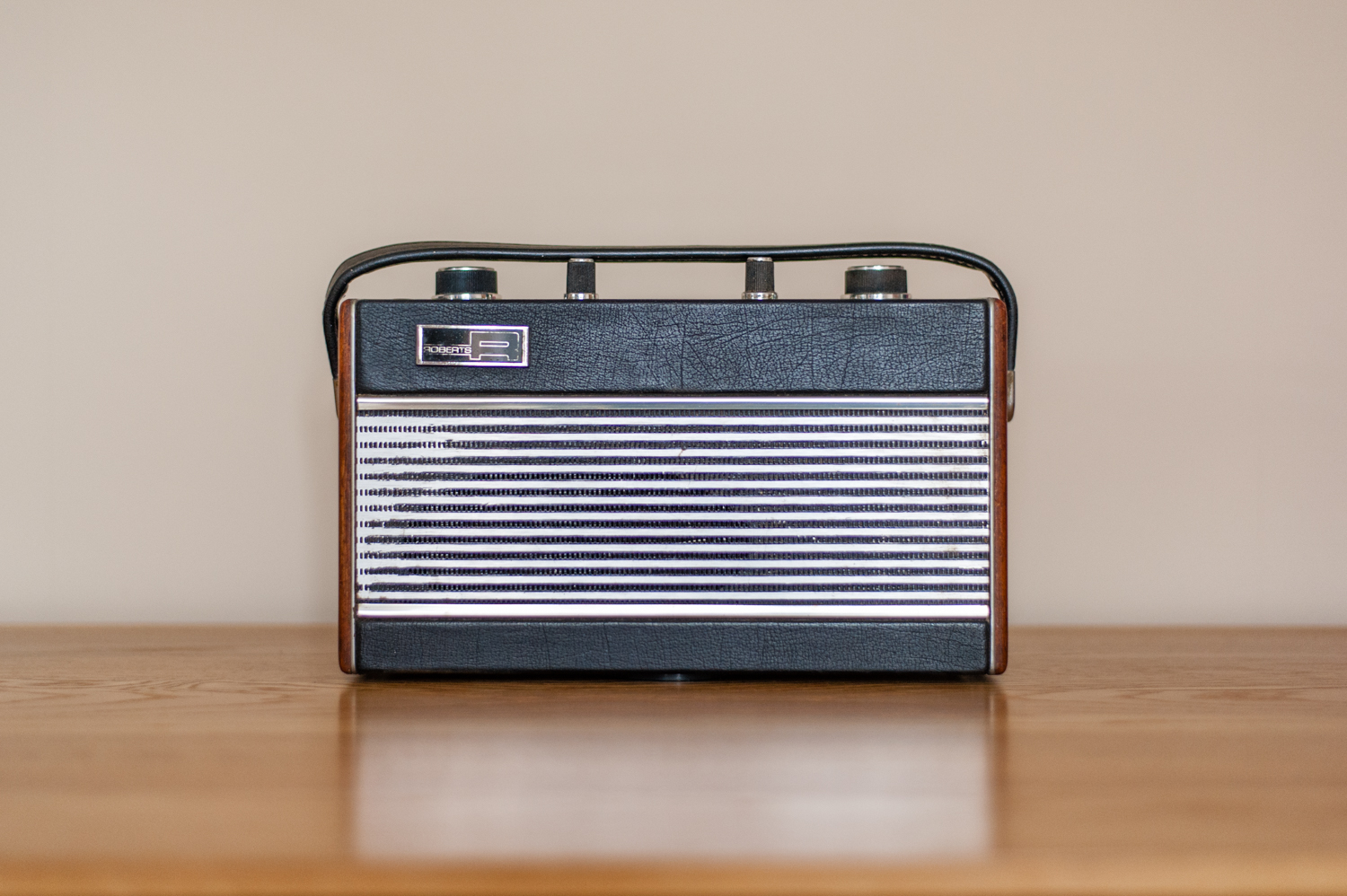 An old Roberts FM radio