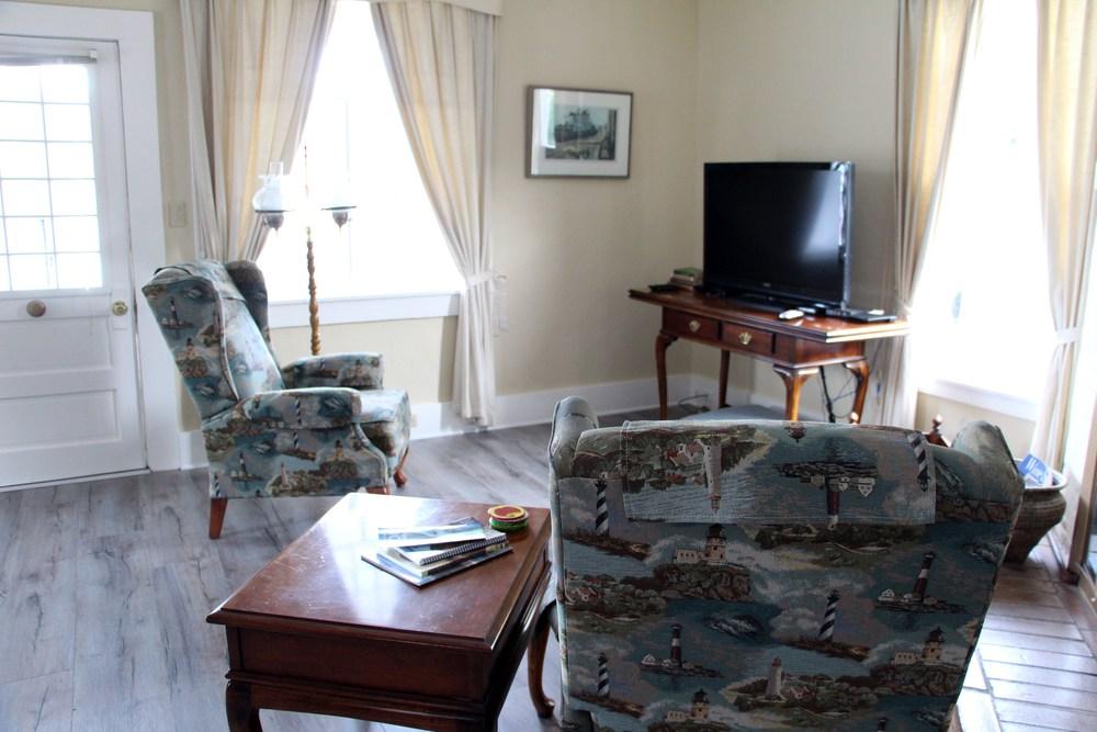 Quartermaster Cottage Living Room 5.JPG