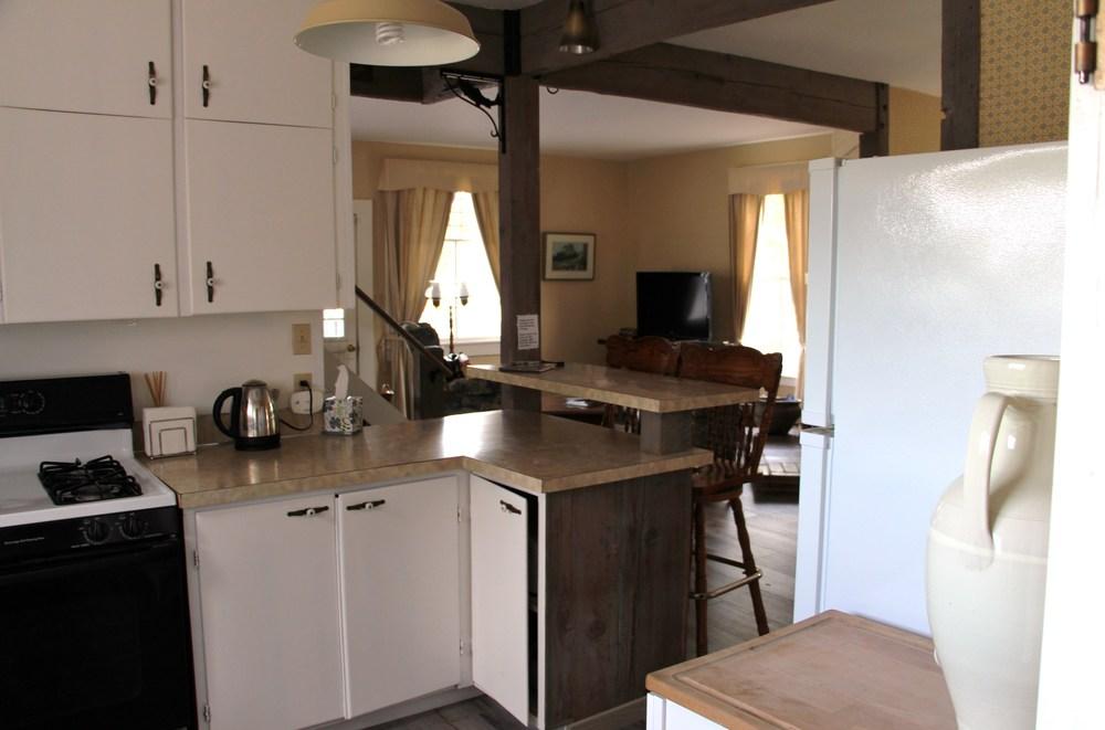 Quartermaster Cottage  Kitchen 2.JPG
