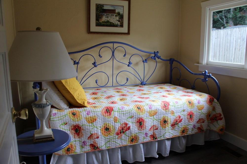 Quartermaster Cottage Bedroom 2.JPG