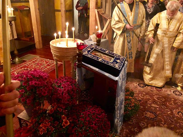 Glory to God! Such a blessing to have the Hawaiian Iveron icon of the Theotokos at our mission tonight.