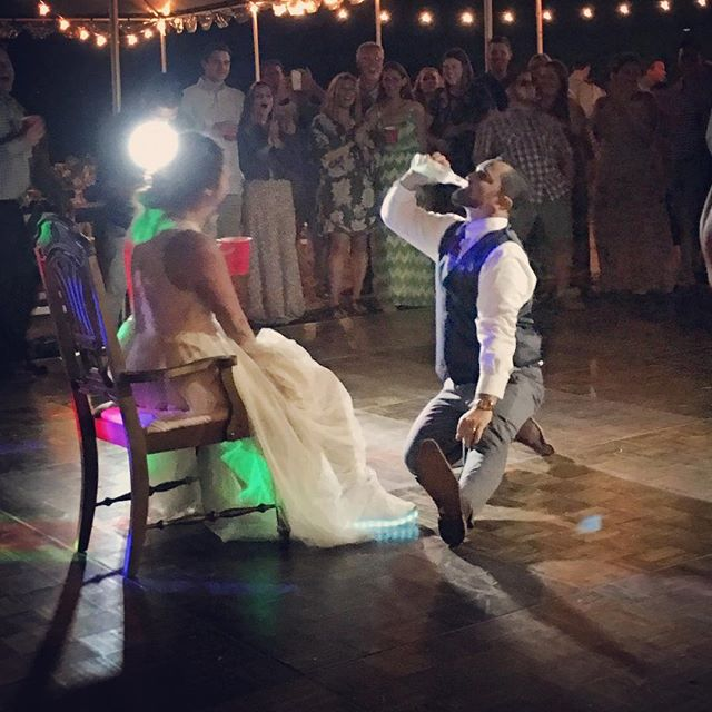 The weekend went by too fast!! Coordinating Morgan & Brett's wedding was such a blast, but the highlight of the night was definitely seeing her hubby get iced during the garter toss! Well done, @mperrault!!! 🙌🏼 . . . #wedding #summerwedding #eventdesign #eventplanner #weddingplanner #outdoorwedding #bohochic #rustic #rusticwedding #bride #groom #gartertoss #sandiego #sandiegowedding #sandiegoweddingplanner #bottomsup