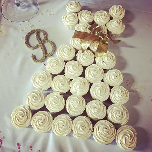 A sweet touch to a lovely bridal shower! . . . #bridalshower #cupcakes #dessert #weddingdress #cakedress #events #wedding #eventplanner #weddingplanner #coordinator #sandiegoweddingplanner #sandiegoweddings