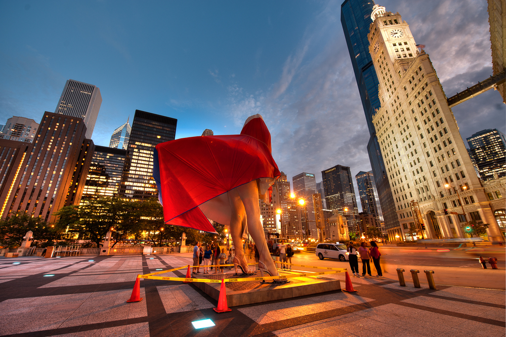 Experience Chicago Like Never Before    SAVE $300 TODAY    Call: (312) 614.1475