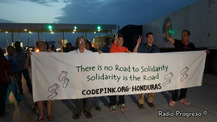 Visiting the Wednesday evening protests at the international-financed tollroad in San Manuel, Cortes.