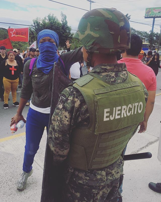 #honduraselections2017 crisis & anti-fraud protests. Over 30 people murdered in the streets but protests continue. #notodictatorship #noaldictador #noalfraude #Honduras