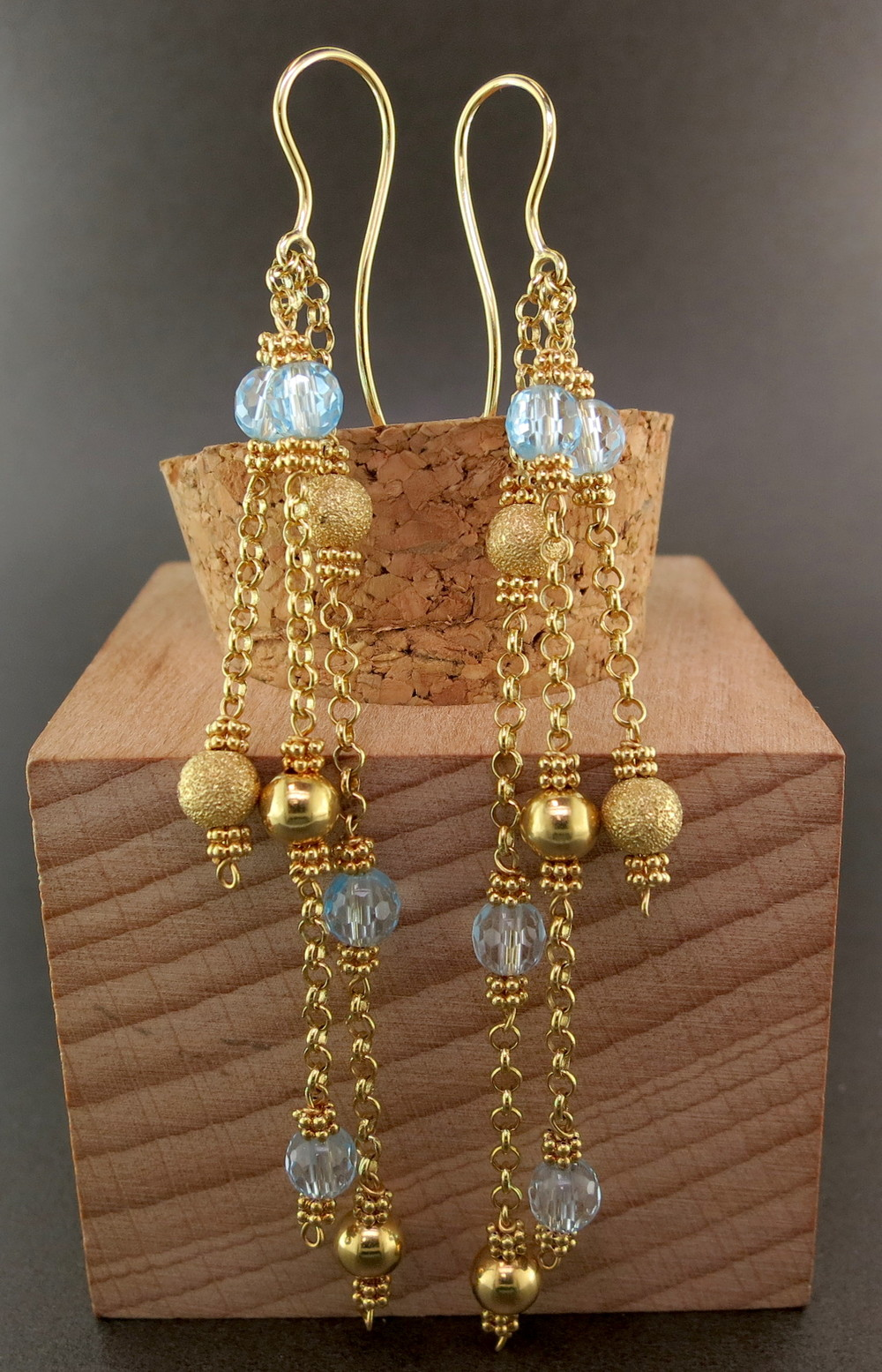 18 Karat Yellow Gold and Blue Topaz Dangle Earrings (MB14520)