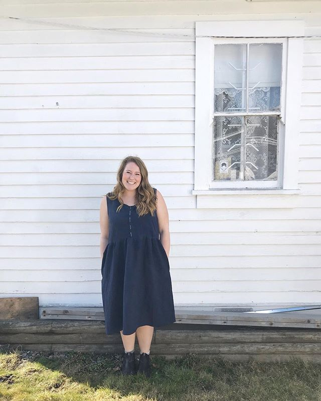 How cute is this #hinterlanddress on Courtney? 😍 we finished it up earlier today and she just has to sew the buttons on at home 🧵 now I want one 🤔