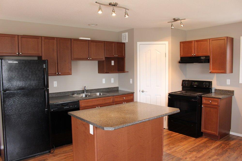 kitchen 2 303 main.JPG