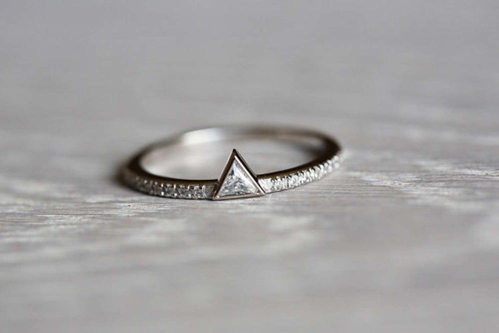 item couple minimalist rings original wedding pic