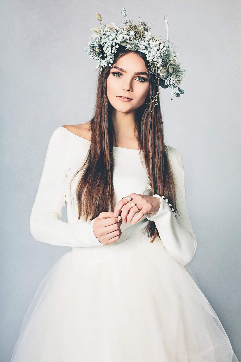 16 ways to style a winter wedding the bohemian wedding winter wedding floral crown izmirmasajfo Choice Image