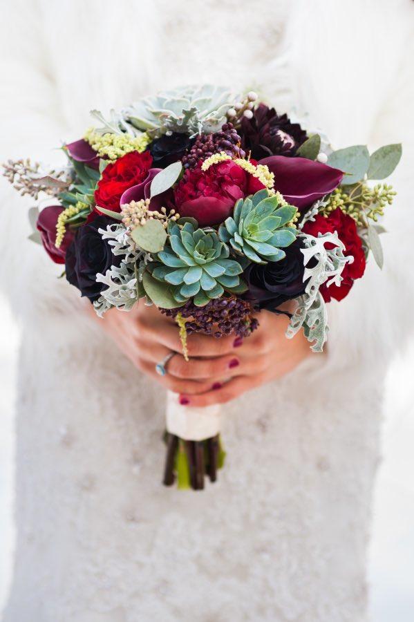 16 Ways to Style a Winter Wedding the bohemian wedding