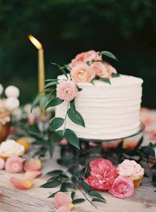 Single Layer Cake with Greenery and Flowers