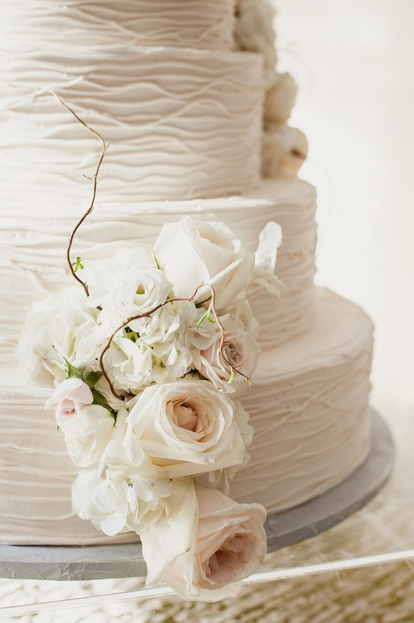 White Minimalist Wedding Cake Details