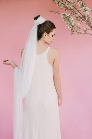 BETULA veil bebas closet back view.jpg