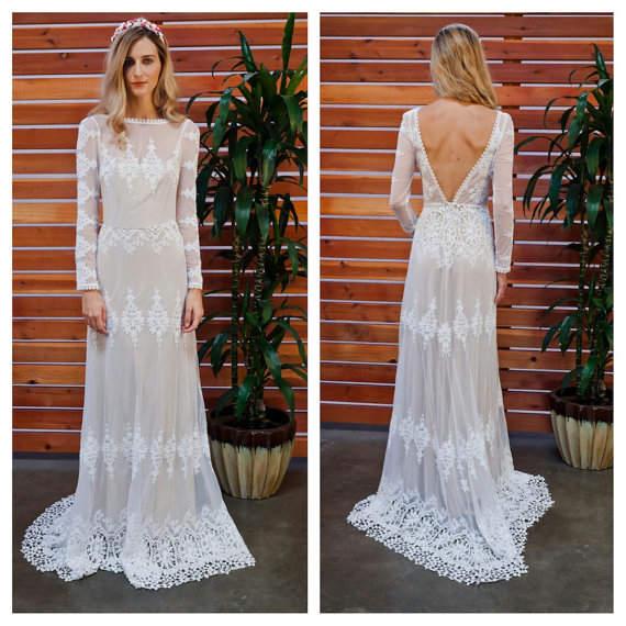 Lisa Lace V-back Wedding Dress