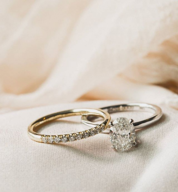Oval Engagement Ring With Diamond Details