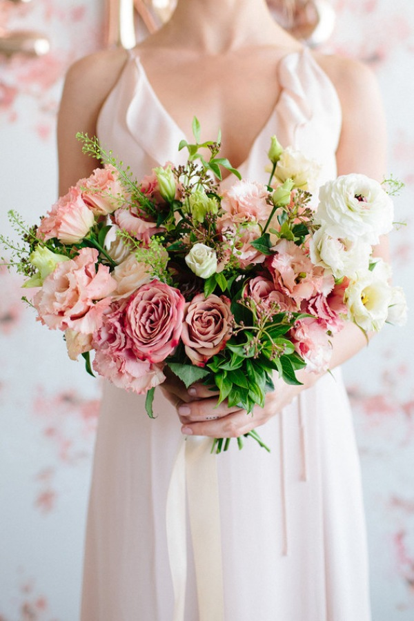 Spring Floral Wedding Bouquet with Pastel Hues