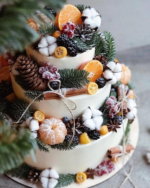 Winter Wedding Cake with Fruit