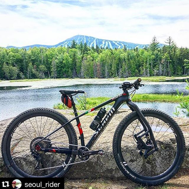 @scapinusa x @laufcycling x @curvecycling x @blacksmithcycle x @seoul_rider = awesome 💯🙌👍 ・・・ Locked and loaded for the Carrabassett 💯! Looking forward to racing in Maine's backcountry trails! #cbccrace #crnemba #NUE #carrabassettvalley #maine #blacksmithcycleteam #blacksmithcycle #blacksmithcyclemtb #scapin #scapinusa #scapinspektro 🇨🇦💯🚵🏻‍♀️