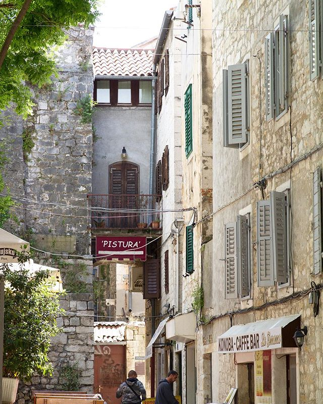 Not quite on vacation but looking back at shots from 2016. I wish I'd slowed down and captured more of Split, Croatia.  #glt #igersholland #igerseurope #canon #passionpassport #cntraveler #thatsdarling #mytinyatlas #croatia #dametraveler #explore #expat #expatlife
