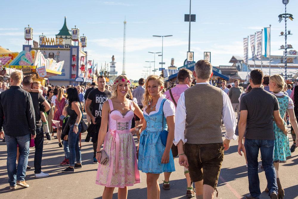 Dirndl Oktoberfest München