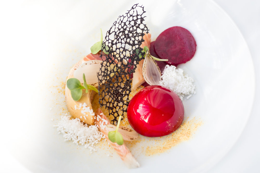 Eendenlever met gerookte paling, rode biet en ui