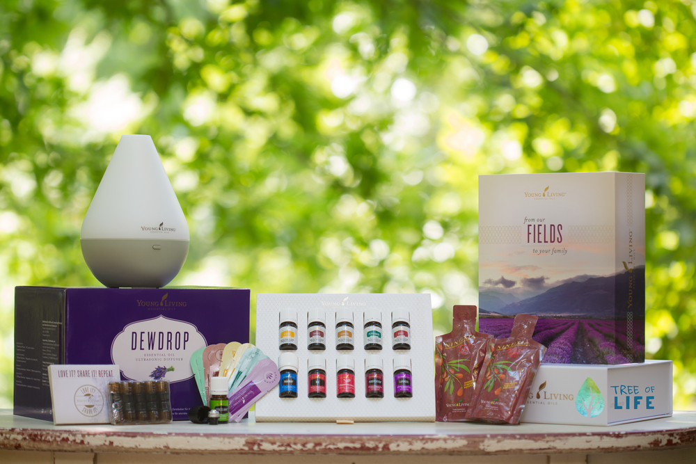 The Premium Starter Kit from Young Living includes Lavender, Peppermint Vitality, Lemon Vitality, Copaiba Vitality, Frankincense, Thieves Vitality, Purification, R.C., DiGize Vitality, PanAway & Stress Away.