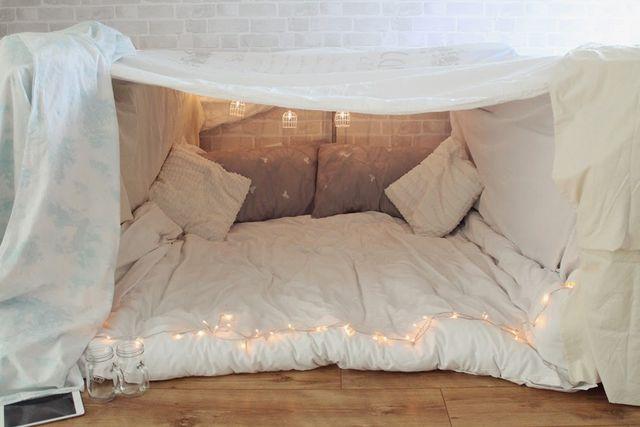 blanket fort little winter.jpg