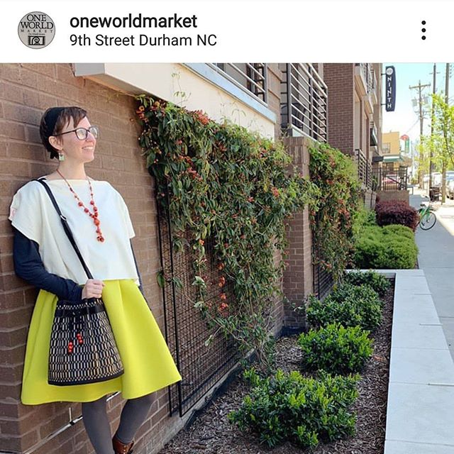 @oneworldmarket Thank you for sharing your gorgeous photos of our Sophon shoulder bag in black burleywood.  We love it! . . . . . #❤️ #fashion #accessories #choosesarayebags #shopatoneworldmarket #tatamipurses #handbags #satchel #madebyhand #reedbyreed #strawbags #blackandnatural #travelbag #collapsiblebag #shoulderstrap #nonprofitsociety