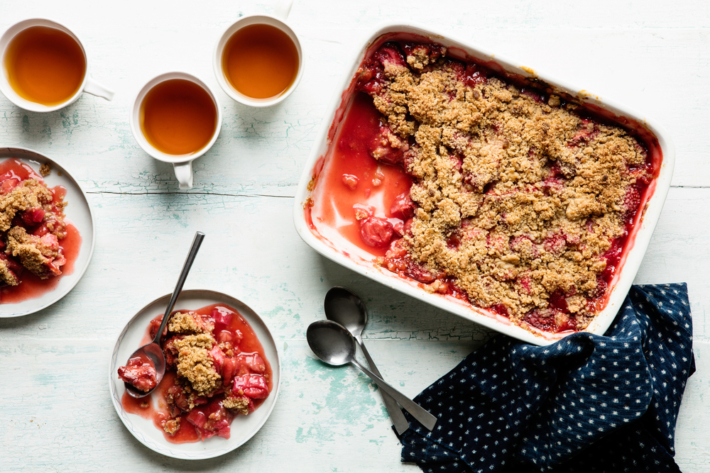 Ali Nardi Strawberry-Rhubarb-Crumble_recipe.jpg