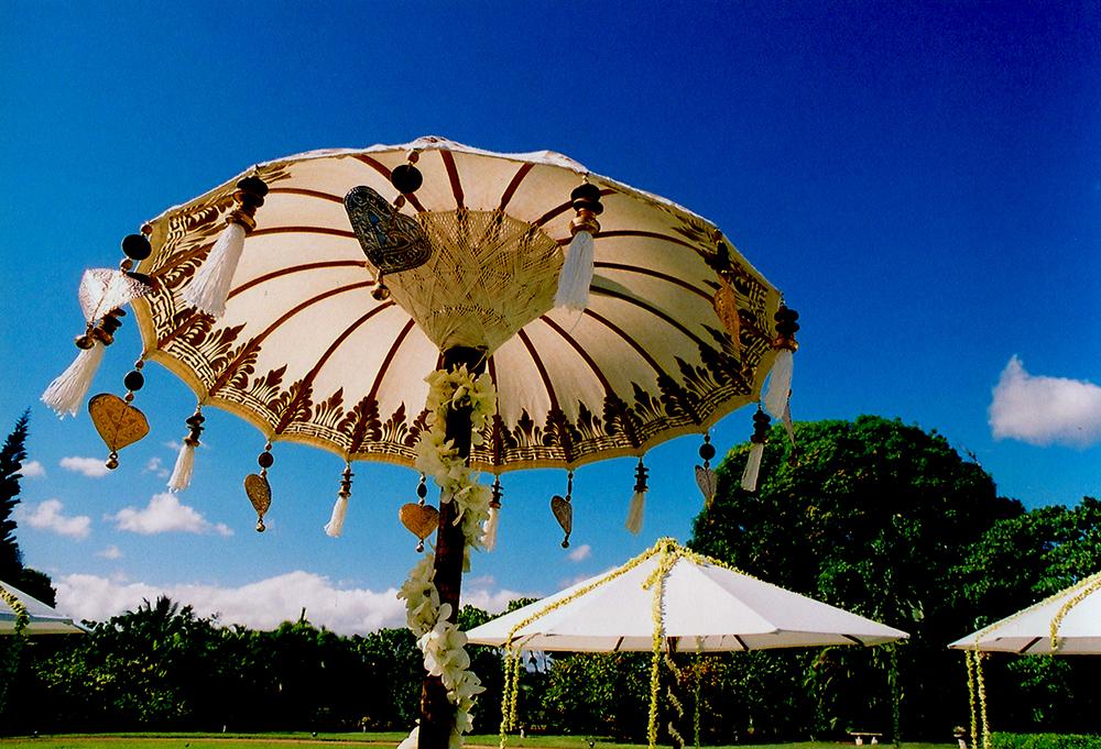 Hawaiian Wedding Reception Decor