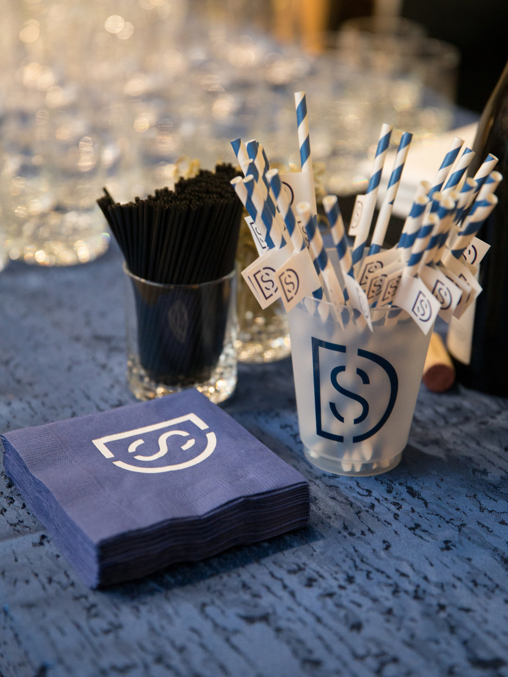 0399_Logo Cups, Napkins, Straw.jpg