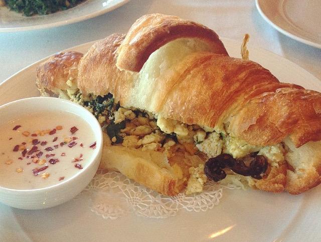 Tuscan Croissant Sandwich/ instagram.com/diningwithdevyn