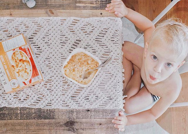 Oh Mondays.  Anyone else? #sponsored  The only way to get through mealtime on days like these is to open the freezer and pray you still have some Blake's Mac n cheese left.  These frozen meals aren't like the other ones, they are made from real ingredients, and made in small batches by real people.  We love our @Blakesnatural meals over here at #thewellscasa. #blakeslove