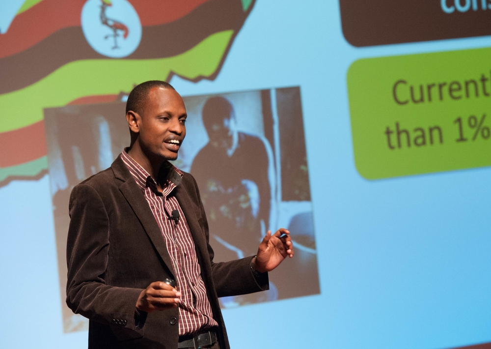 Sanga Moses Pitches at the 2014  Investor Showcase