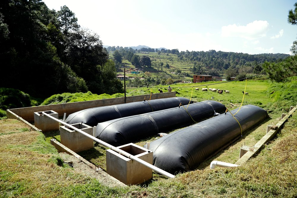 Photo Credit: Sistema Biobolsa The technology converts waste, specifically animal manure, into biogas and biofertilizer.