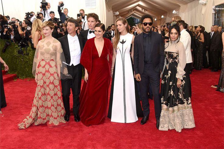 A sea of Valentino - From Left: Alba Rohrwacher, Pierpaolo Piccioli, Eddie Redmayne, Maria Grazia Chiuri, HannahBagshawe, Lenny Kravitz & Lisa Bonet