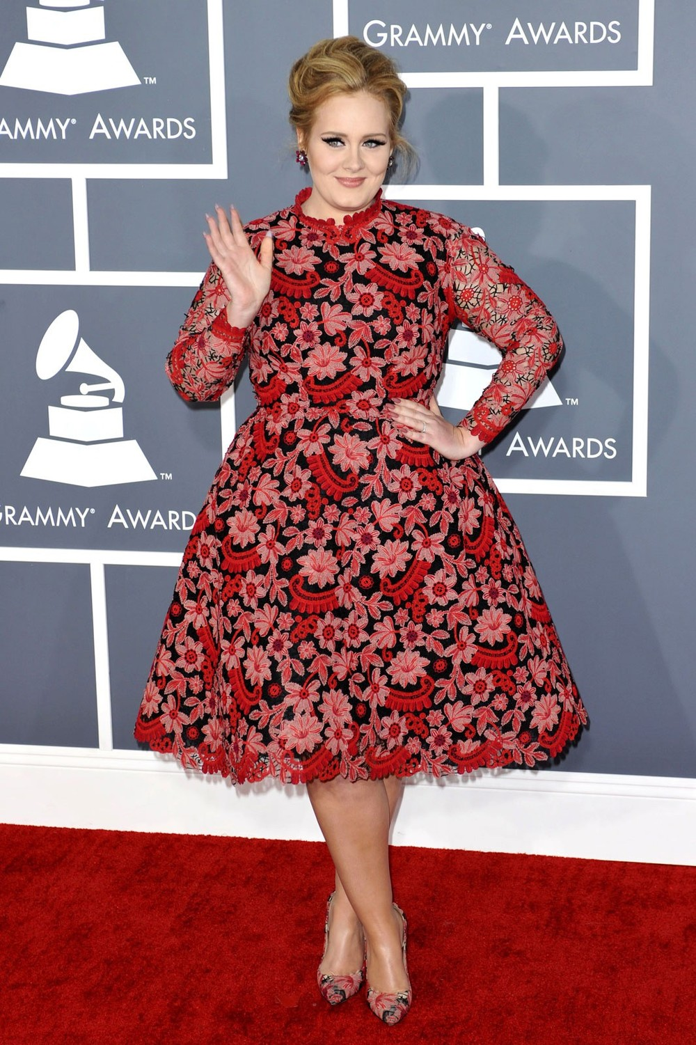 Adele wears Valentino at the 2013 Grammy's